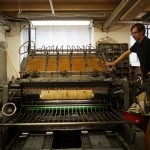 Thomas Siemon printing the catalogue for the exhibition