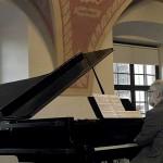 Joseph-ply-piano-2