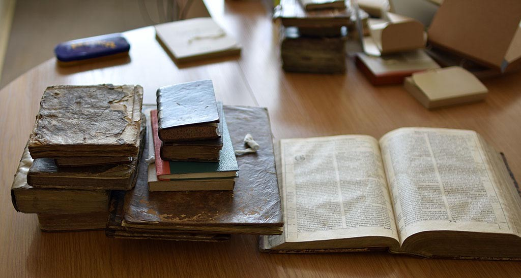 Books from the Documentary Heritage Research Department, Rare Books and Manuscripts Unit